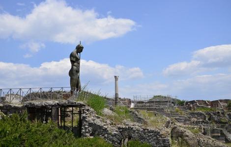 Lanciano - Manoppello - S. Giovanni Rot. - Monte S. Angelo - Pietrelcina - Amalfi - Capri - Neapol - Pompeje - Monte Cassino - Rzym - Orvieto - Asyż - Wenecja 12 DNI