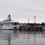 Kraje nadbałtyckie Promem na wyspę Helsinki