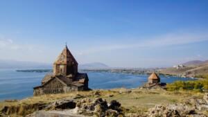Wycieczki do Armenii Jezioro Sewan Pixabay License