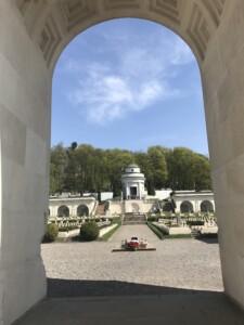 Wycieczki do Lwowa Cmentarz Łyczakowski. Zdjęcie własnością Biura Podróży Variustur z Elbląga