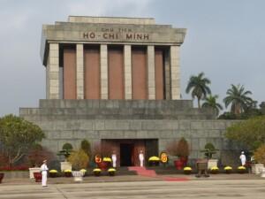 Wycieczka Wietnam Hanoi mauzoleum Ho Chi Minha Pixabay License