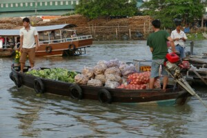 Wycieczka Wietnam targ na rzece Mekong Can Tho